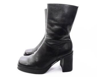 90's chunky heel boots // Tommy Hilfiger vintage platform boots // BLACK LEATHER // size 6.5 // 6 1/2