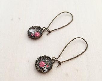 Red and White Flower on Black Japanese Washi Glass Earring - Long Antique Brass Earrings