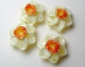 YELLOW DAFFODILS, Jonquil, Narcissus, harbinger of Spring, sculptural lampwork pairs, beads of glass
