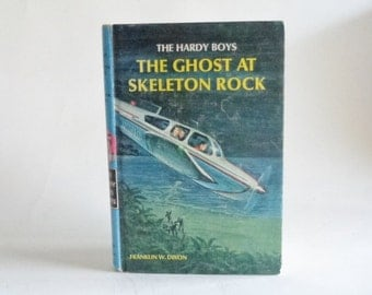 Vintage Hardy Boys  - The Ghost at Skeleton Rock