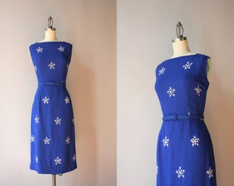 50s Dress / 1950s Royal Blue Linen Wiggle Dress / 50s Fitted Embroidered Eyelet Dress