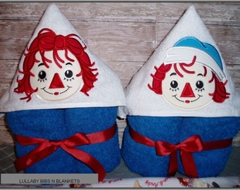 Raggedy Ann and Andy hooded towel/bibs
