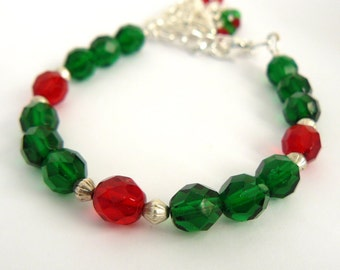 Christmas Bracelet, Red and Green Bracelet With Christmas Tree Charm, Festive Holiday Jewelry, Tree with Dangles, Beaded Bracelet
