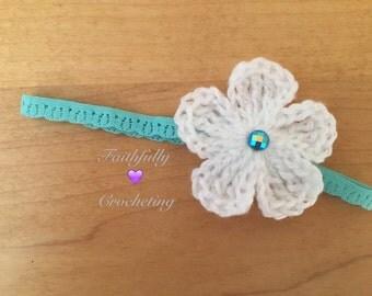 Newborn headband.. Turquoise headband and white flower.. Ready to ship
