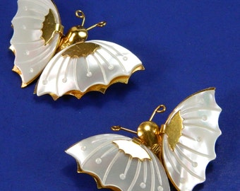 Mother of Pearl Butterfly Pin Moth Brooch Vintage Scatter Pins Gold Tone Metal 14779
