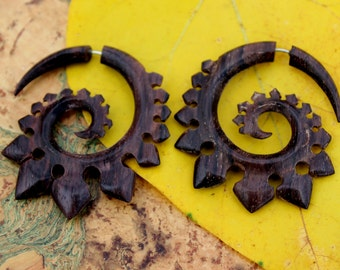 Fake gauge earrings, Hand Craved, Natural Sono Wood ,tribal style Split Gauge Earrings Sprial,organic