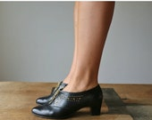 ON SALE 1980s Magdesian Ankle Boots >>> Size 6