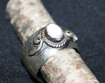 Vintage Sterling Silver Ring Mother of Pearl 'Paul J' Native American Size 4