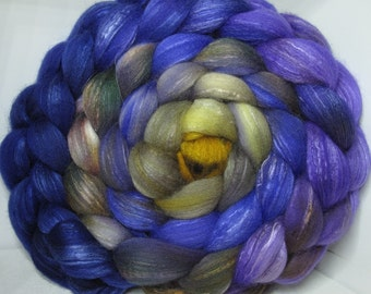 Organic Polwarth/Bombyx 80/20 Roving Combed Top 5oz - Windswept Waves 2