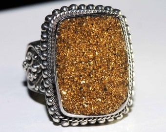 Vintage 1980 Artisan crafted golden druzy gemstone ring size 8.5 shipping included within Canada and U.S.A