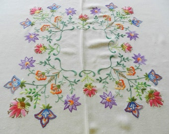 Embroidered Tablecloth, Floral Tablecloth, Vintage Tablecloth, Crem Tablecloth,