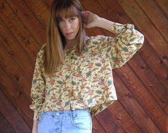 30% off ... Liberty Floral Printed Faded Goldenrod Button Down Crop Blouse Top - Vintage 90s - MEDIUM M