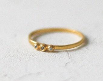 14k Gold Diamond Triple Dot Ring, Gold Band, Thin Diamond Wedding Ring, Wedding Band, 14K Gold Ring, Stacking Ring, Anniversary Ring
