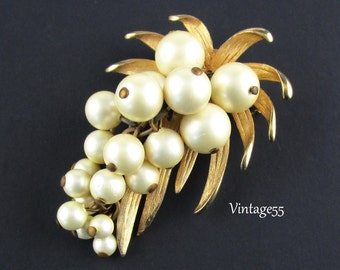 Brooch Beaded White Faux Pearl