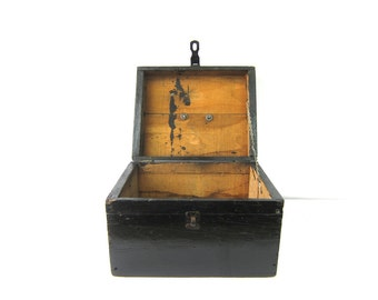 Large Antique Primitive Handmade Wooden Hinged box Distressed Painted Black Tool Chest Rustic Storage Industrial ToolBox Shoe Wood Shine Box