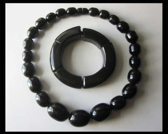 SLICK Black-Minimalist and Modern Shiny Resin Necklace and Bracelet,Jewelry Lot,Vintage Jewelry,Women