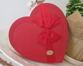 Vintage c1931 Valentine's Day Candy Box * Red Heart * Millinery Bow * Shabby Cottage