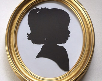 8x10 Gold Oval Wood Frame for Silhouettes