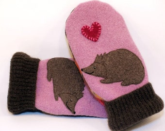 Wool Mittens Sweater Recycled Pink Brown Hedgehog Applique Leather Palm Fleece Lining Eco Friendly Size M