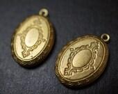Raw Brass Oval Victorian Floral Pattern Lockets - 4 pcs