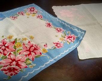 Lot of 2 Vintage Handkerchiefs Floral Design Appliquéd and embroidered Retro Linens