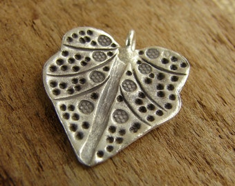 Hill Tribe Fine Silver Repousse Leaf Pendant - hurl