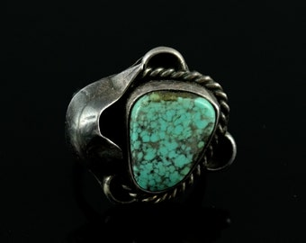 Size 7 Vintage Attractive Turquoise Sterling Silver Leaf Design Ring