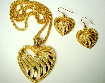 SALE, Gold HEART Pendant Necklace, And Wire Dangle Matching Valentine Earrings, 1980s Set