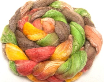 Hand dyed roving, Spinning fibre, felt, spinning wool, Extra Fine Merino, Cashmere, Tussah Silk, spinning fiber, colour; Chatsworth