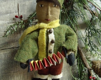 mY pRIMITIVE  Vintage Style Ornies Collection/Boy With Squeeze Box ornament/christmass tree PATTERN Instant download