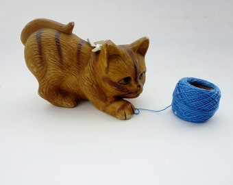Vintage Tabby Cat Figurine - Yellow Striped Tabby Cat Decoration - Kitty Cat Ceramic Figurine Made in Taiwan