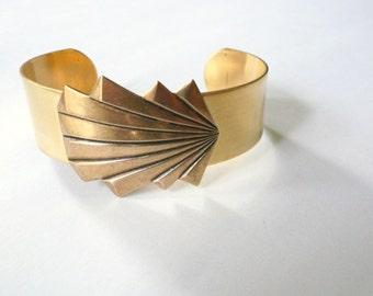 Gold cuff. Art Deco bracelet cuff. Big gold bracelet. Geometric cuff. Earring bracelet set. Art deco cuff bracelet. Great Gatsby era style.