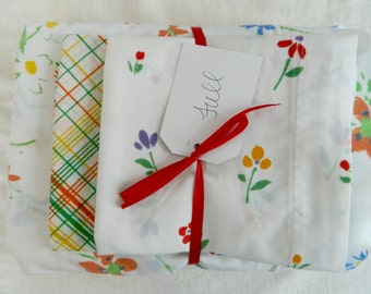 Vintage Remixed Full sheet set in fun florals / full flat sheet / full fitted sheet / vintage pillowcases
