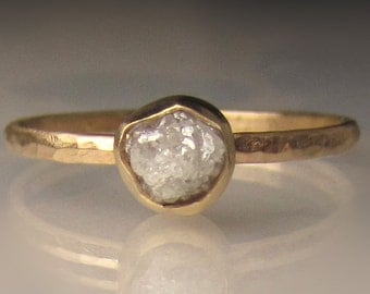 Raw Diamond Engagement Ring, Hammered Rough Diamond Ring in 14k Yellow Gold, White Uncut Diamond Ring