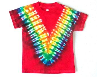 Toddler Boy's Tie-dye T-shirt, Size 4T, scarlet & rainbow V