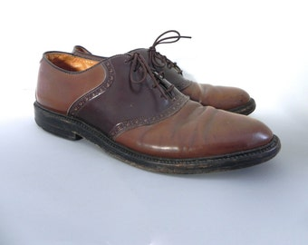 Vintage 1950s Mens Bostonian Shoes - 50s Two Tone brown Leather Oxfords - on sale