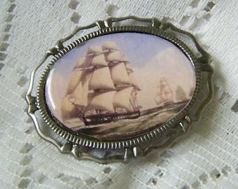 Sailing Ships - Revolutionary War - Maritime Art - Nautical History - British - Age of Sail - Sailing ships - Sailing Fleet - Brooch 2