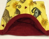"""CUDDLE-SACK Pet Bed 23"""" x 21"""" Cats, sun and red Fleece."""