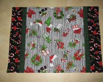 Set of 4 Holiday Placemats,Red,Green,Black,Candy Canes,Christmas,Gifts,Bows
