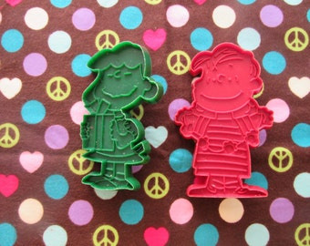 Great Pair of Vintage Peanuts Cookie Cutters-Lucy and Linus