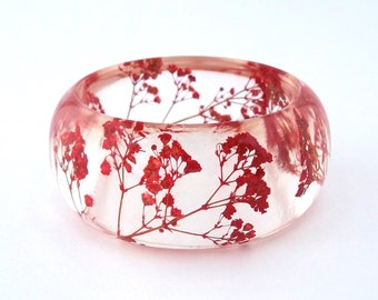 Size Small Red Resin Bangle.  Pressed Flowers.  Red Baby's Breath. Contemporary Botanical Jewelry. Personalized Engraved Gift. Personalized