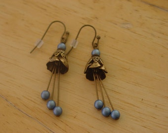 Vintage Style Antiqued Brass and Blue Flower