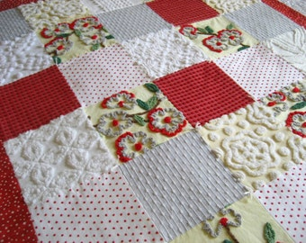"Ready Made  ""Retro Dogwood""  Vintage Chenille Bedspread Quilt for Baby / Toddler, Sofa Throw, Cuddle Up!"