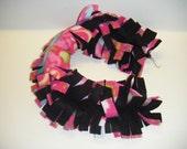 Sugar Glider, Fleece Rope, Fleece Vine, Fleece Chain, Black Fabric, Pink Paisley, Fleece Toy, Sugar Glider Toy,Hanging Toy,Cage Toy