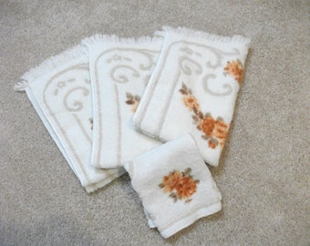 Beautiful 60's Autumnal Towel Set