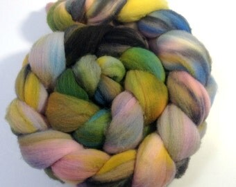 Hand Dyed Merino Roving -Confused - Merino Spinning Wool - Merino Felting Wool - 4 ounces Hand Dyed Top