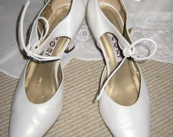 1020's Style White Leather Shoe/Made in Italy Size 8.5