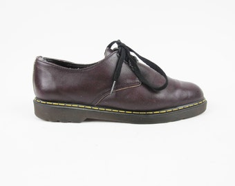 Vintage 90s Purple Leather Oxfords Doc Martens Style Womens Low Top Oxfords Grunge Punk Rock Shoes Lace Up Chunky Sole Brogues Size 8
