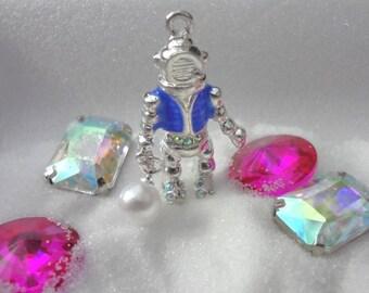 Unique - Silver plated - Deep Sea - Pearl Diver - 3D pendant - Ab rhinestones - white Pearl - Ocean - Sea - scuba Diver