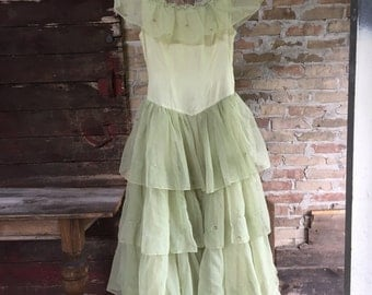 Vintage dress 1920s Pale  Celery Green, Chiffon Party Dress,Prairie Wedding size small
